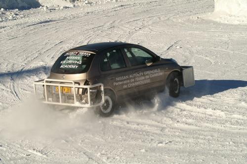 Apprentissage de la conduite sur glace