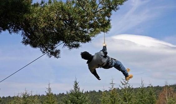 Acrobois : parcours aventure dans les arbres dans le Massif du Pilat