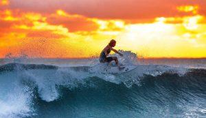 Comment bien commencer le surf?